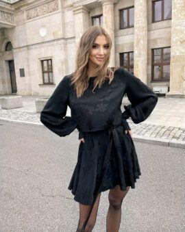 Piękny, jesienny komplet Nicole Black w głębokim, czarnym kolorze. LOVIN