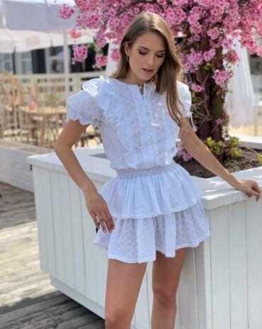 Lekka, Zwiewna, w dziewczęco czystej bieli - sukienka Mini na lato od LOVIN