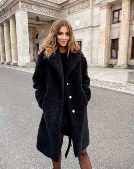 """Czarny, wełniany płaszcz """"baranek"""", świetny wybór na zimę od LOVIN"""